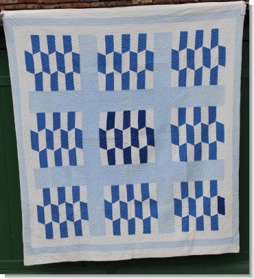 BLUE & WHITE AMERICAN QUILT.