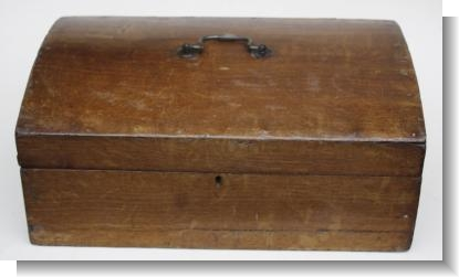 SIMPLE PAINTED PINE BOX, c.1820