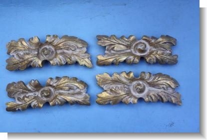 19th CENTURY GILTWOOD FLOWER HEADS
