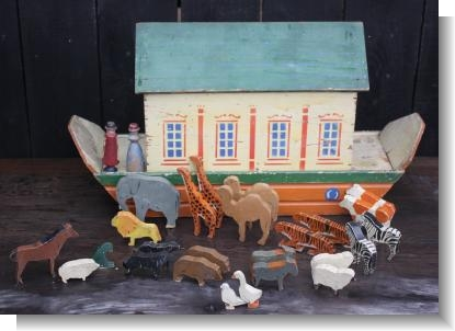 LARGE LORD ROBERTS NOAH'S ARK